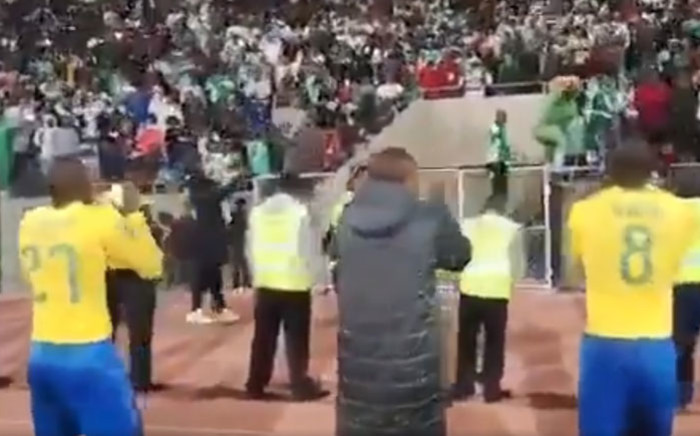 Mamelodi Sundowns players join Bloemfontein Celtic supporters in song after their Absa Premiership match on 3 October 2018. Picture: @Masandawana/Twitter