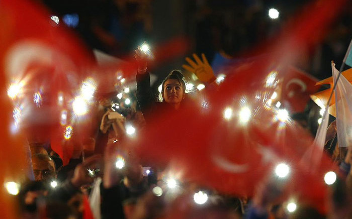 Celebrations in Turkey after the ruling AK Party won the elections on 1 November 2015. Picture: @AKParti/Twitter.