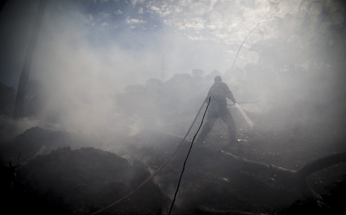 FILE: A fire broke out on Signal Hill in Cape Town earlier today. Picture: Thomas Holder/EWN.