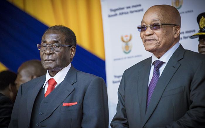 President Jacob Zuma and Zimbabwean President Robert Mugabe at the University of Fort Hare. Picture: Thomas Holder/EWN.