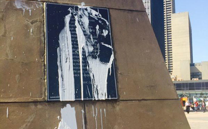 Part of the defaced Gandhi statue in the Johannesburg CBD. Picture: Dineo Bendile/EWN