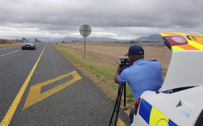 FILE: A Western Cape traffic official doing speed enforcement. Picture: @WCGovTPW/Twitter
