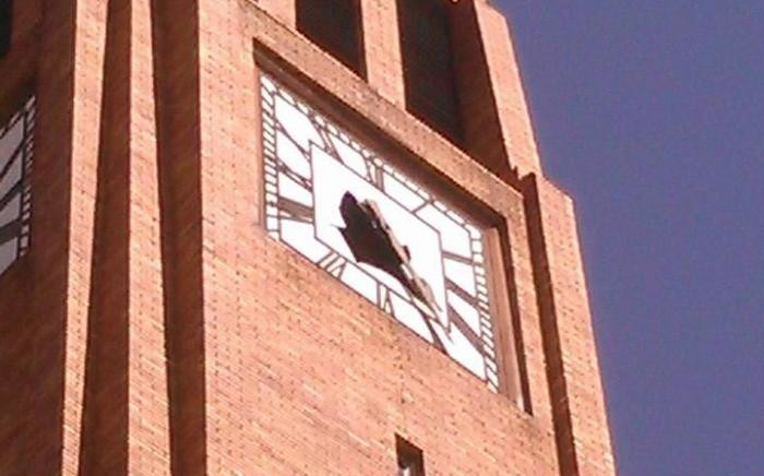 A clock on Matlosana municipal building after the 5.3 magnitude earthquake shook South Africa. Picture: Siyasanga Madikane, Facebook.
