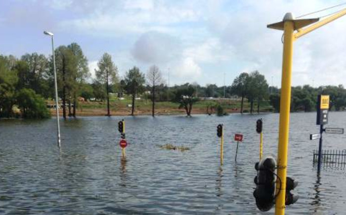 The corner of Mowbray Street and Tom Jones Street in Benoni was flooded following severe thunderstorms in Gauteng on 28 November 2013. Picture: Melissa Oates/iWitness.