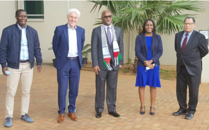 Helman Nkosiyethu Mkhalele, Hugo Broos, Minister Nathi Mthethwa, Lydia Monyapo and Danny Jordaan. Picture: @SAFA_net