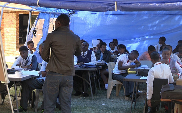 FILE: Matric pupils being taught at a camp in the Magaliesberg region ahead of their final exams. Picture: Reinart Toerien/EWN.