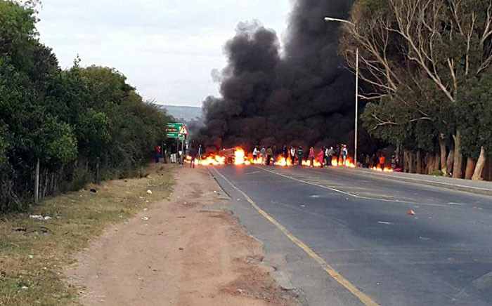 A protest erupted along Kommetjie Road at Masiphumelele township this morning. Picture: @Louise_Marsland via Twitter.