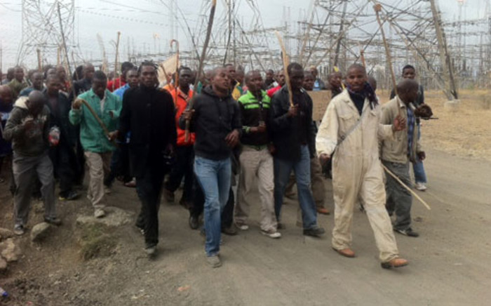 Lonmin miners start marching, demanding better pay. Picture: Taurai Maduna/EWN.