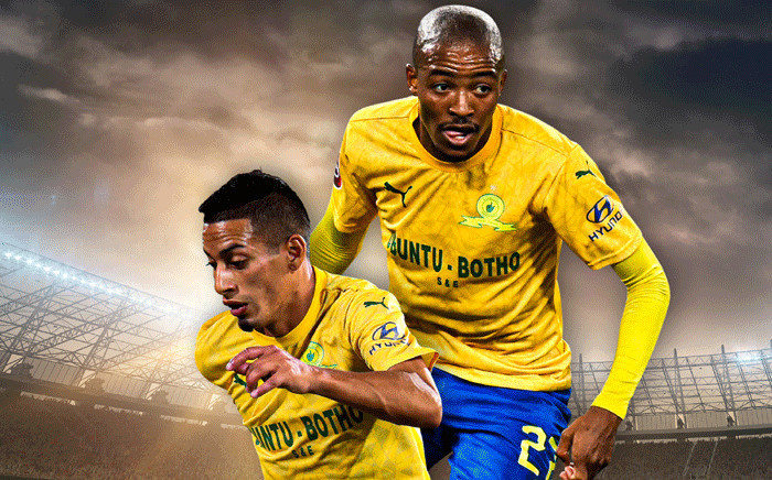Mamelodi Sundowns' Thapelo Morena and Gaston Sirino. Picture: @Masandawana/Twitter.