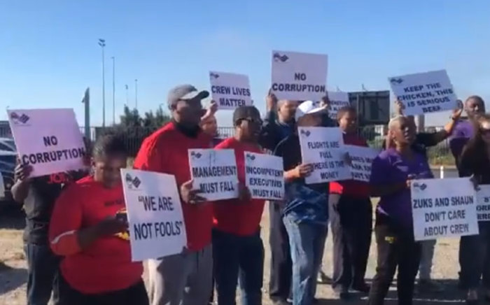 Numsa and South African Cabin Crew Association (Sacca) members picket at the Cape Town International Airport on 15 November 2019. Picture: EWN