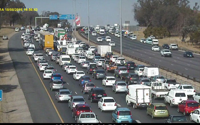 N1 North between Rivonia and Buccleuch, where four lanes are closed due to police activity. Picture: Twitter: @mattydk1