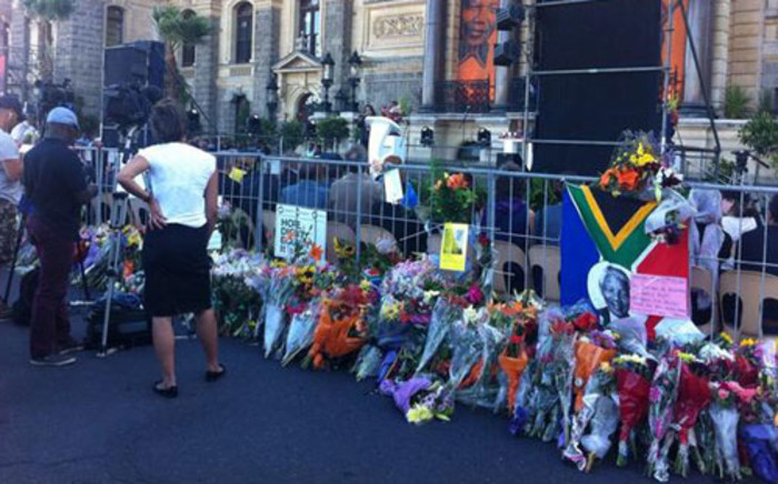 The city says the memorial at the Grand Parade will give Capetonians a chance to say goodbye. Picture: Siyabonga Sesant/EWN.