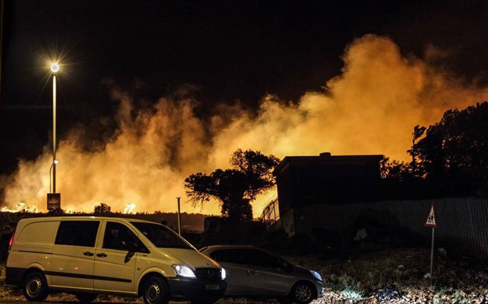 Firefighters are battling a large vegetation fire on the Table Mountain National Park. Picture: Reza Khota/iWitness