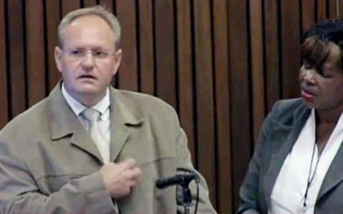 Forensic photographer and state witness Barend van Staden will return to the stand this morning.