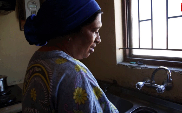 Ayesha Johnston spoke to Eyewitness News about the water cuts in Tafelsig Mitchells Plain. Picture: EWN.