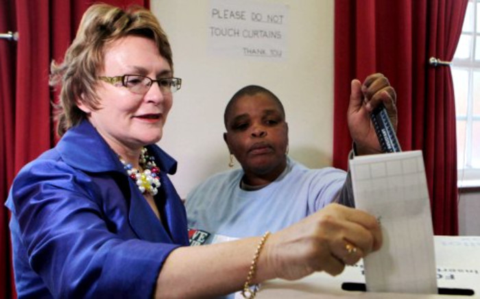 Democratic Alliance leader Helen Zille casts her vote in the local government elections in Rondebosch, Cape Town on Wednesday, 18 May 2011. Picture: Nardus Engelbrecht/SAPA
