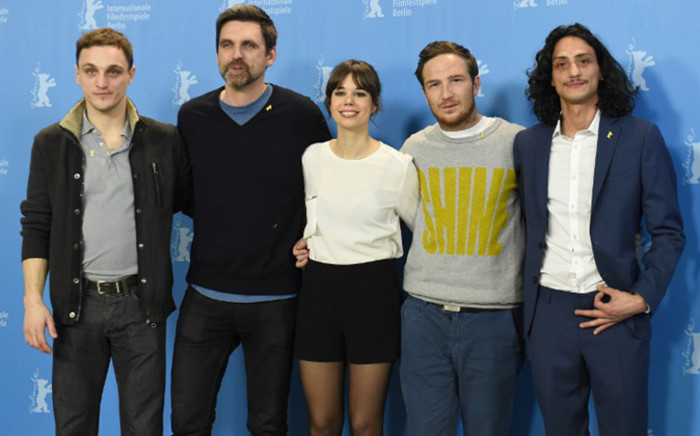 German Director Sebastian Schipper (2ndL) poses with (from L) actor Franz Rogowski, actress Laia Costa, and actors Frederick Lau and Burak Yigit at the photocall of his film Victoria presented in the competition of the 65th Berlin International Film Festival Berlinale in Berlin, on 7 February, 2015. Picture: AFP