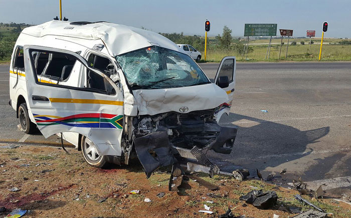 FILE: One person died and several others were injured after a taxi collided with a transporter in Witpoortjie, west of Johannesburg on 15 February 2016. Picture: ER24.