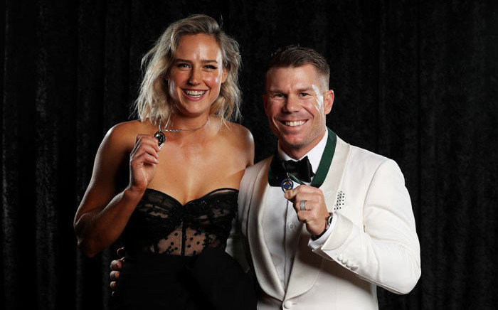 Ellyse Perry (left) and David Warner (right) with their respective Australian cricket honours. Picture: @CricketAus/Twitter