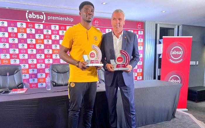 Kaizer Chiefs' Daniel Akpeyi (L) and Ernset Middendorp. Picture: @KaizerChiefs/Twitter