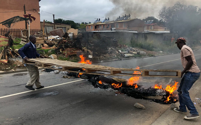 Alexandra residents took to the streets on 3 April 2019 demanding better service delivery in the township. Picture: Mia Lindeque/EWN