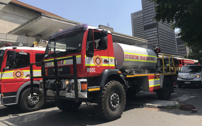 Six carriages at platforms 17 and 18 at Cape Town station were damaged in the fire. Picture: Kaylynn Palm/EWN.