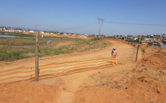 A fence has been erected around the quarry site at the Skierlik Mountain View informal settlement in Mamelodi where two boys drowned on 27 February 2021. Picture: Thando Kubheka/Eyewitness News