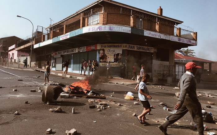 The Westbury community has mobilised against gang and drug related crime, shutting down the area, and marching to drug dealers homes on 28 September 2018. Picture: EWN