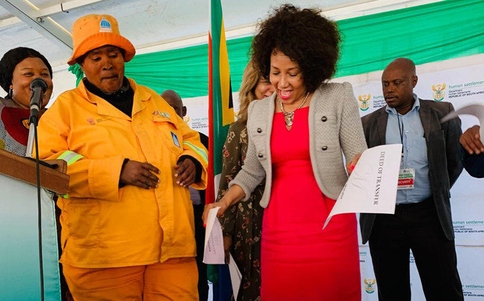 Human Settlements, Water and Sanitation Minister Lindiwe Sisulu on 5 July 2019 handed over title deeds to residents of the Cornubia integrated RDP Housing project north of Durban. Picture: @The_DHS/Twitter.