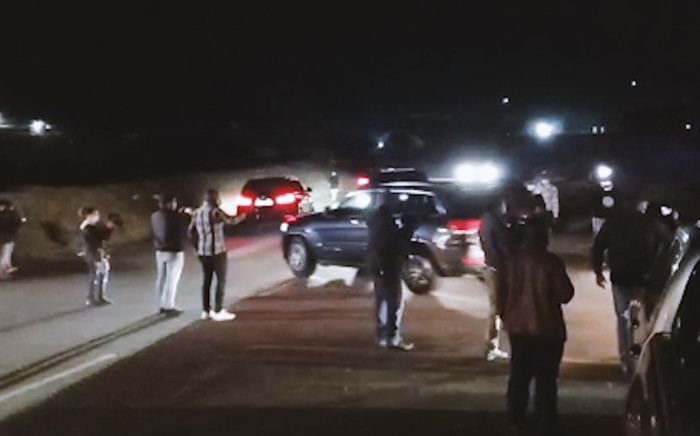 A motorcade leaving former President Jacob Zuma was seen leaving his Nkandla homestead at 11:15pm on Wednesday. Picture: Screengrab/Nkosikhona Duma