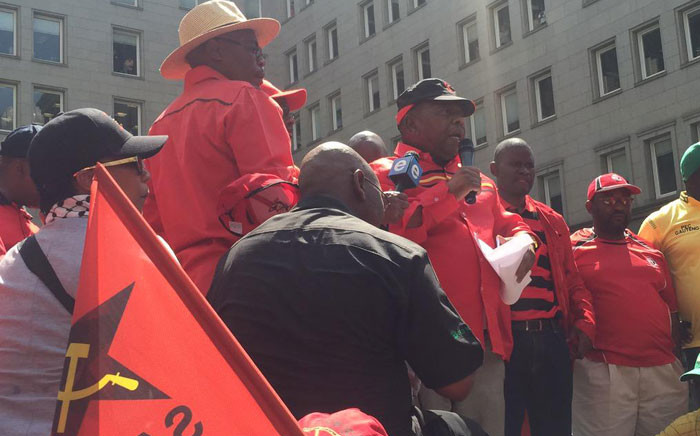 Sacp's General Secretary Blade Nzimande addresses crowds in the Joburg CBD at Cosatu's march for decent work. Picture: Govan Whittles/EWN.