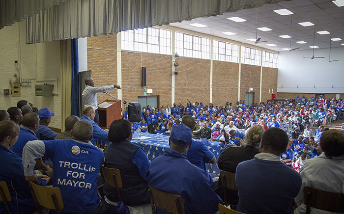 FILE: DA leader Mmusi Maimane addresses party supporters in Bethelsdorp, Port Elizabeth, as politicians campaign on 24 June 2016. Picture: Aletta Harrison/EWN.