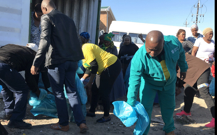 Deputy Rural Development and Land Reform Minister Mcebisi Skwatsha pictured during a clean-up operation in Khayelitsha, in Cape Town, on 8 July 2018. Picture: Kevin Brandt/EWN.