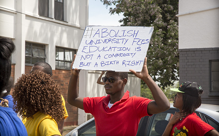 FILE. Fort Hare University students march through the campus, recruiting students as they toyi-toyi against a hike in fees and what they say is a corrupt administration. Picture: Thomas Holders/EWN.