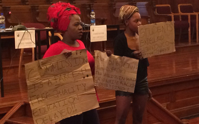 Students disrupt Fees Commission hearing in Cape Town. Picture: Xolani Koyana/EWN.