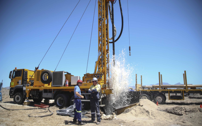 Contractors extract groundwater from the Cape Flats aquifer. Picture: Cindy Archillies/EWN