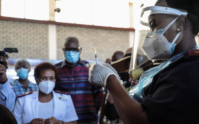 A health care worker at Chris Hani Baragwanath Hospital prepares a COVID-19 vaccination on the first day of the vaccine rollout to frontline workers on 17 February 2021. Picture: Abigail Javier/Eyewitness News.