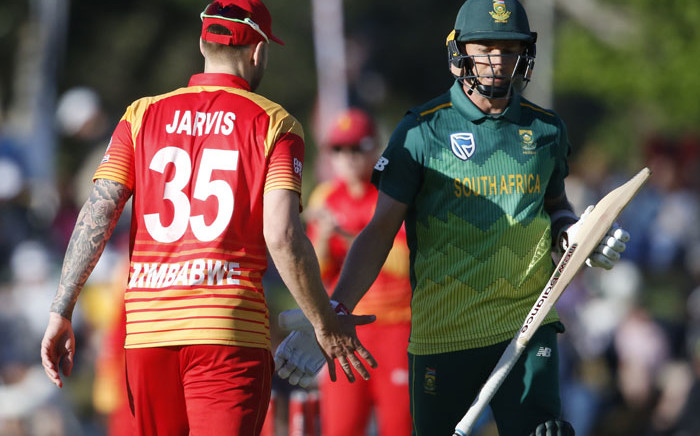 South Africa's Dale Steyn (R) is congratulated by Zimbabwe's Kyle Jarvis as he leaves the pitch after being dismissed by Donald Tiripano during the second One Day International cricket match between South Africa and Zimbabwe at the Mangaung Oval in Bloemfontein, South Africa, on 3 October, 2018. Picture: AFP