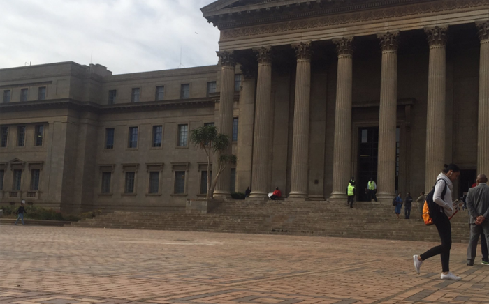 Wits University is quiet ahead of the start of classes on 11 October 2016, a day after violent clashes between protesting students and police. Picture: Thando Kubheka/EWN.