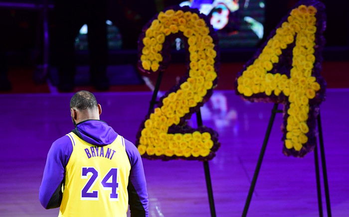 LeBron James pays tribute to Kobe Bryant, the late former Los Angeles Laker after he and 8 others were killed in a helicopter accident on January 26, ahead of the NBA game beween the Los Angeles Lakers and Portland Trailblazers on January 31. Picture: AFP.