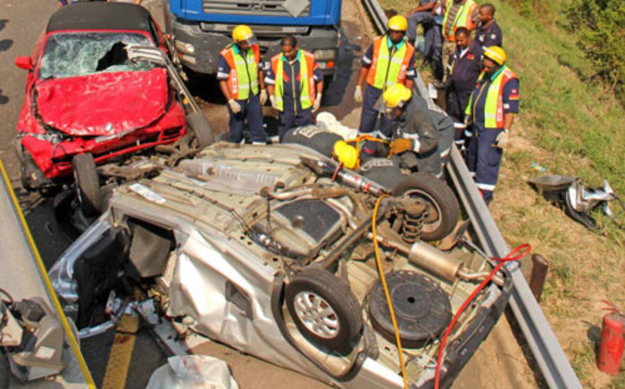 Emergency personnel attending to an accident scene. Picture: Netcare 911 via Twitter.