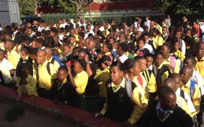 Pupils at the Pholosho Primary School in Alexandra lined up for assembly on 9 January 2012. Picture: Mbali Sibanyoni/EWN