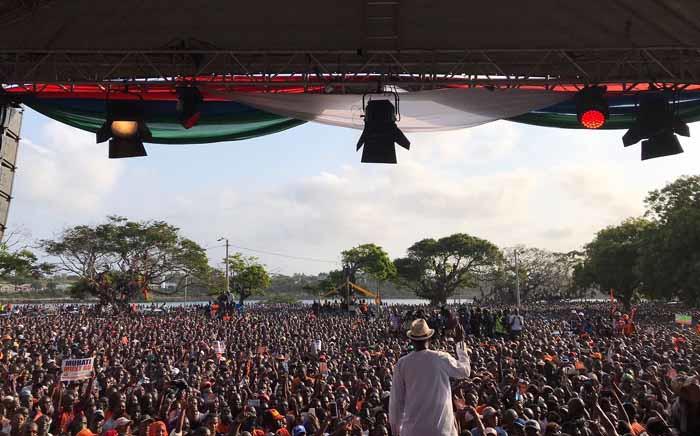 FILE: Kenyan opposition leader Raila Odinga addressing supporters. Picture: @RailaOdinga/Twitter.