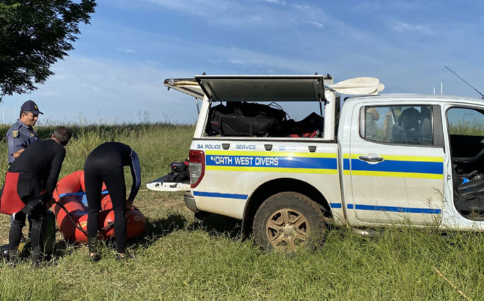 Police divers during the search for Parktown Boys' High School pupil Enock Mpianzi. Picture: @Lesufi/Twitter