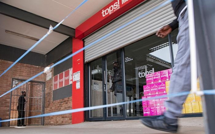 FILE: Closed Spar tops Spruitview Shopping Centre on the eve of the alcohol ban lifting on 17 August 2020, Vosloorus, Ekuerhuleni. Picture: Sethembiso Zulu/EWN