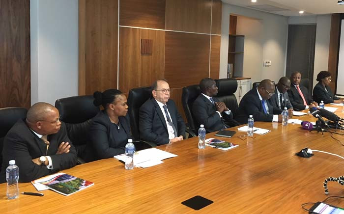 FILE: Deputy Chief Justice Raymond Zondo (fourth from right) briefing the media on the team who will head up the inquiry into state capture. Picture: EWN
