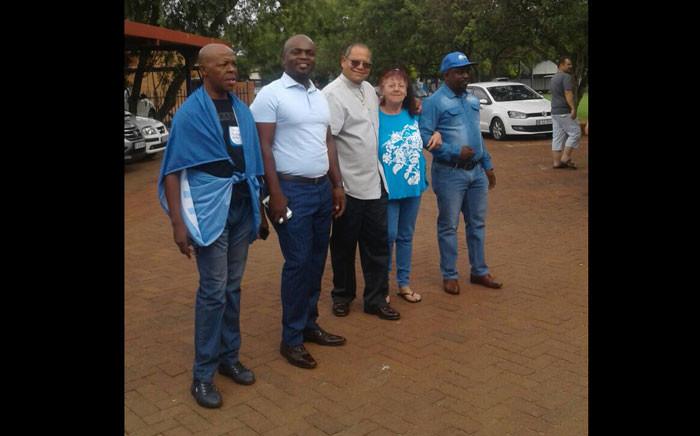 Patricia Morrison with DA Gauteng leader JohnMoody and Tshwane Mayor Solly Msimanga. Picture: Tendani Mulaudzi/EWN.