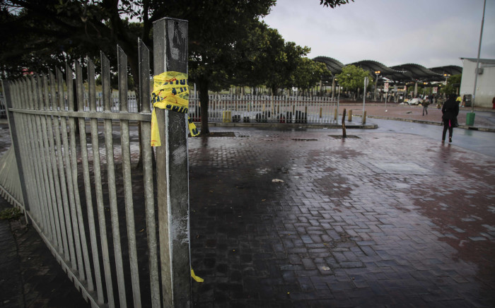 Roads leading into the Bellville taxi rank were temporarily closed following a shooting. Picture: Cindy Archillies/EWN