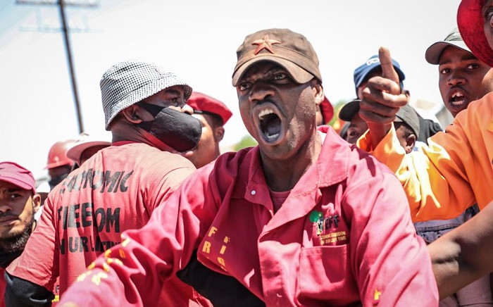 EFF member chanting at the farmers across Julius Malema on Friday, 16 October 2020 in Senekal. Picture: Abigail Javier/EWN