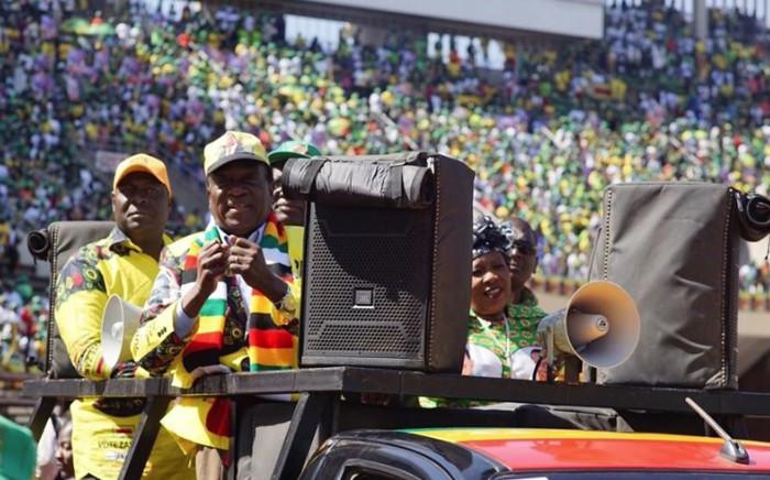 Zimbabwe's President Emmerson Mnangagwa addressing supporters in Harare. Picture: @edmnangagwa/Twitter.